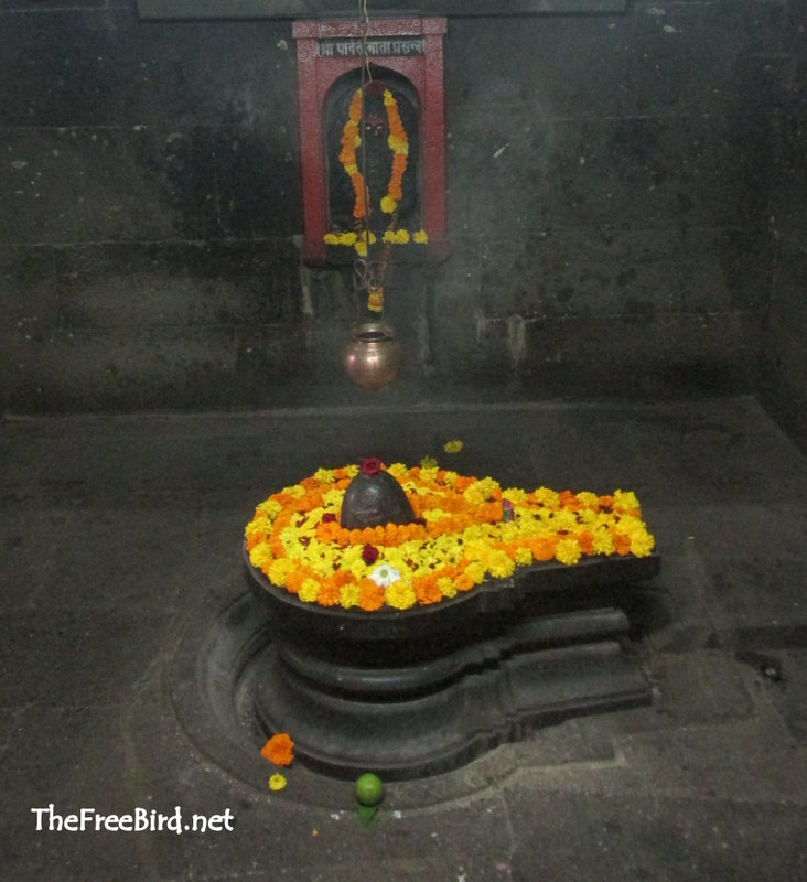 Kashi Vishweshwar Shiva temple wai