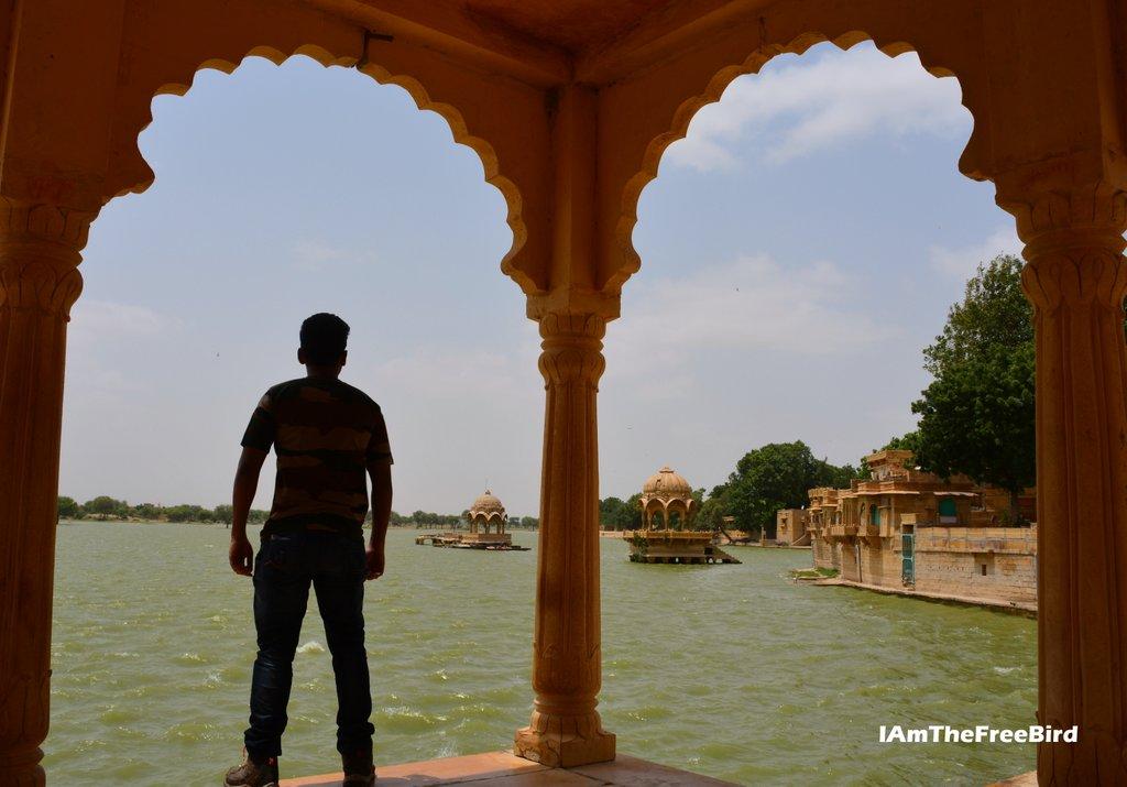 jaisalmer gadisar lake the free bird